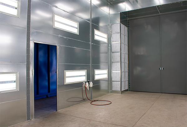 Paint booth for rotational molded products